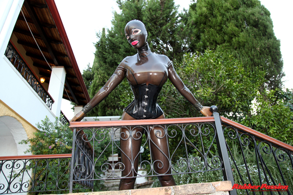 'Melting in Rubber' Pt:2 (Bonus Gallery)