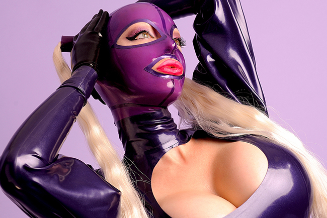 'Latex Princess' (Gallery)